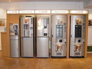 Vi har tillverkat inbyggnader av varuautomater åt Jede